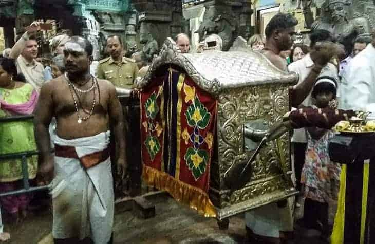 Darshan at Madurai Meenakshi Temple – It's like taking a step back in time